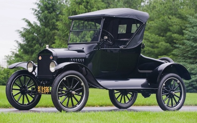 Ford introduces the Tin Lizzie