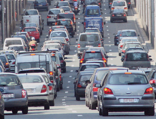 Europe introduces first law to limit car CO2