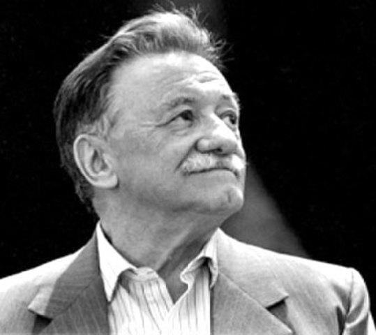 Mario Benedetti, nació en Uruguay el año 1920, destacado poeta, novelista, dramaturgo, cuentista y crítico.