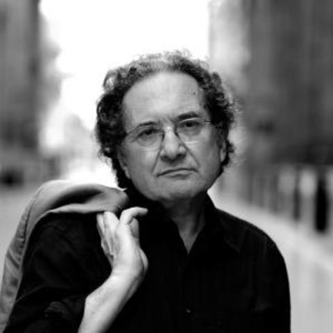 Ricardo Piglia, nació en Argentina el año 1941, escritor y crítico literario argentino.