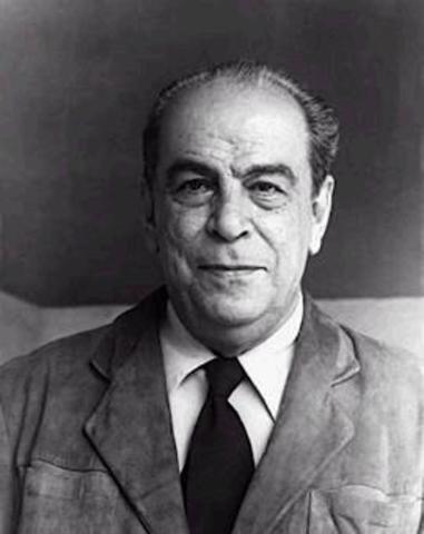 Rómulo Gallegos, nació en Caracas el año 1884, novelista y político venezolano.