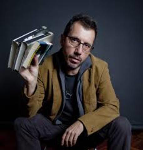 Alberto Fuguet, naciò el 7 de marzo de 1964 (Santiago, Chile). Es escritor, director y periodista.