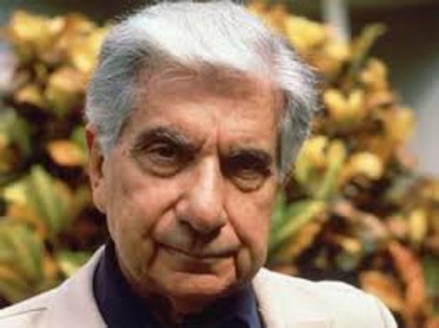 Augusto Roa Bastos, nació en Asunción el 13 de junio de 1917 y falleció en Iturbe el 26 de abril de 2005. Fue escritor, guionista y periodista.