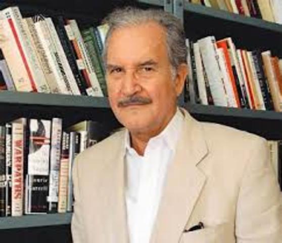 Carlos Fuentes, nació en Panamá el 11 de noviembre de 1928 y falleció en México el 15 de mayo de 2012. Fue escritor, intelectual y diplomático.