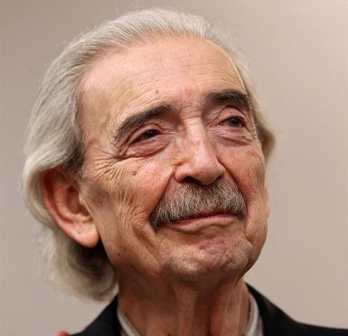 Juan Gelman, nació en Buenos Aires el año 1930, nombrado poeta argentino.