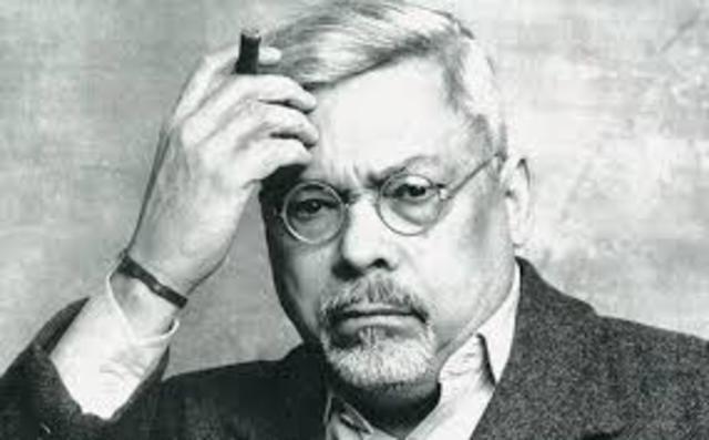 Guillermo Cabrera Infante. Nació el 22 de abril de 1929 en Cuba y falleció el 21 de febrero de 2005 en Londres. Fue guionista y escritor.