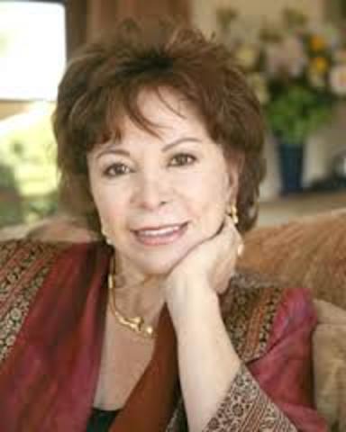 Isabel Allende Llona, nació el 2 de agosto de 1942 en Lima, Perú. Es escritora