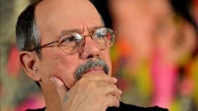 Silvio Rodriguez. Nació en San Antonio de los Baños el 29 de noviembre de 1946. Es cantautor, poeta y artista.