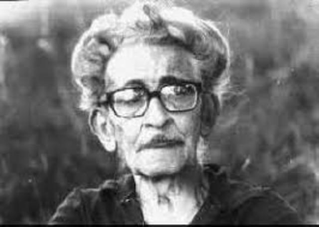 Juan Ortiz. Nació en Puerto Ruiz el 11 de junio de 1896 y falleció en Parana el 2 de septiembre de 1978. Fue escritor y poeta.