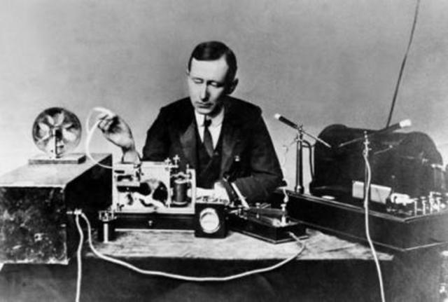 Primera transmisión de radiotelefonía