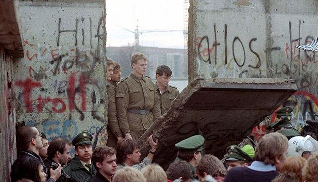 Caída del Muro de Berlín. Fin de la Guerra Fría
