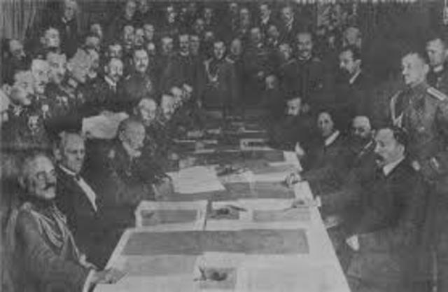 FIRMADO DE TRATADO DE PAZ DE 1918 EN RUSIA