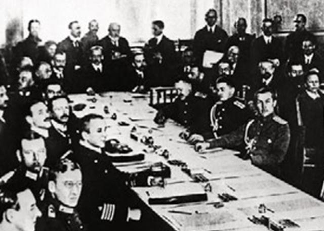 EL IMPERIO AUSTRO-HUNGARO FIRMA UN ARMISTICO