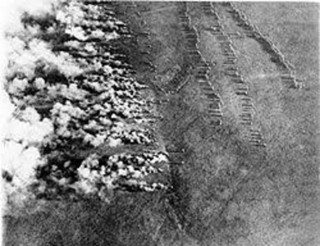 los alemanes lanzan el primer ataque con gases tóxico