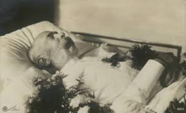 Muere el ultimo emperador austrahundaro