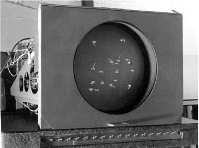 E.Lincoln. Laboratorio del instituto de tecnología desarrolla el primer sistema gráfico SAGE, utilizados por la fuerza aérea de los estados unidos