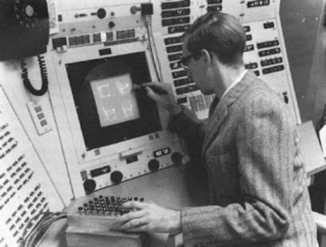 """El doctor Patrick Hanratty concebía el primer software CAM al que llamo """"PRONTO"""". El doctor Patrick Hanratty es considerado el padre del CAD/CAM."""