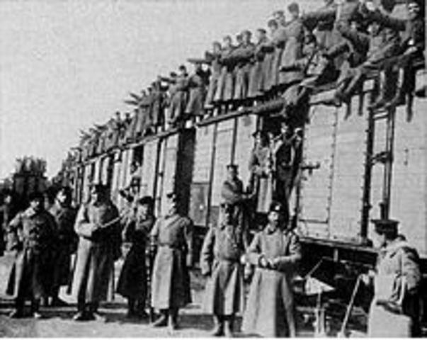 Bulgaria entra en guerra contra los aliados.