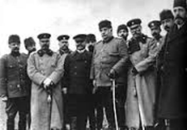 El Imperio Otomano firma un armisticio.
