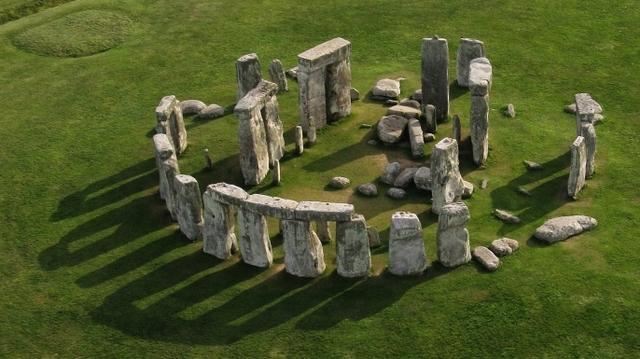 PREHISTORIA: Construcciones Megalíticas (Stonehenge)