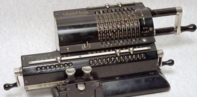 La Primera Calculadora Electrónica