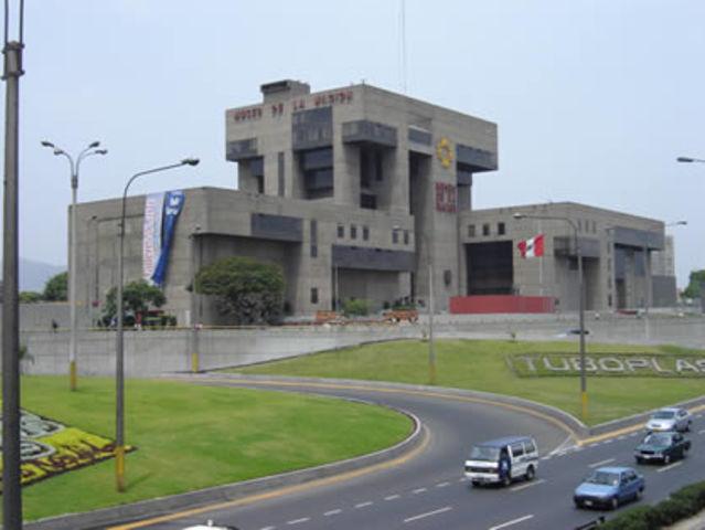 EDAD CONTEMPORANEA: Arquitectura Brutalista (MUSEO DE LA NACION DE PERU)