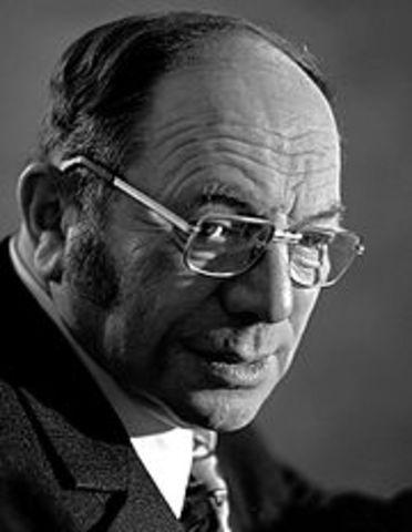 Leonid Kantorovich(Economista-Matemático-Ingeniero soviético) Problemas de distribución