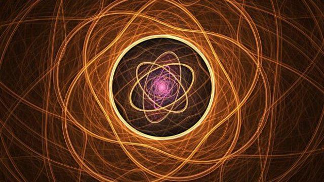 Descripción y explicación del átomo.
