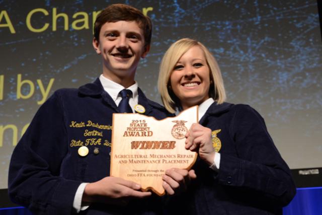 Mechanics get agriculture proficiency award