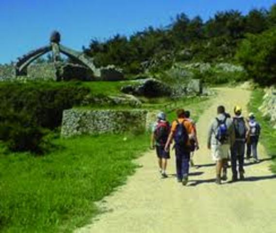 Implantación de actividades en España el medio rural resulta muy significativa para el desarrollo del turismo activo en sus territorios.