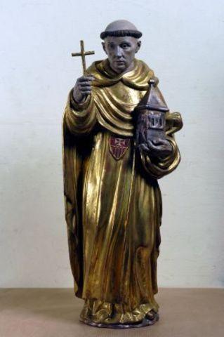Fray Juan Gilabert Jofré, religioso de la Orden de la merced, y valenciano de nacimiento se inclinó por los cuidados de los enfermos mentales, convenció a sus habitantes para que se fundase un hospital o una casa.