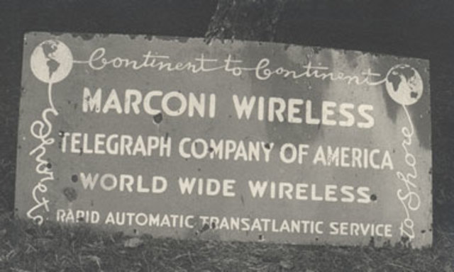 Primer Transmisión de Radio Pública