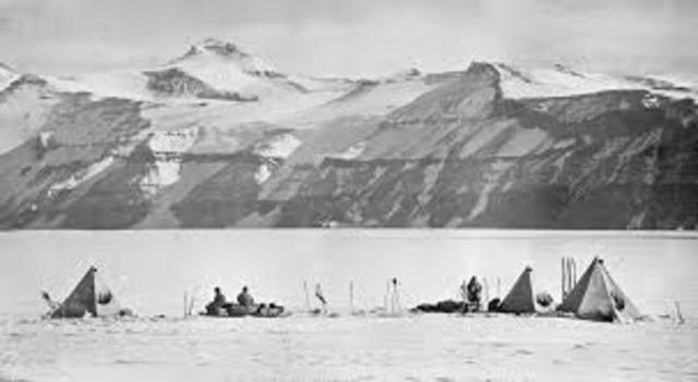 Robert Scott's  attempt to return. After reaching the pole, Robert Scott and 4 other men turned back to head back to the base. All the men were tried and exhausted. Evens part of the Exploration collapsed, and had severe frostbite.