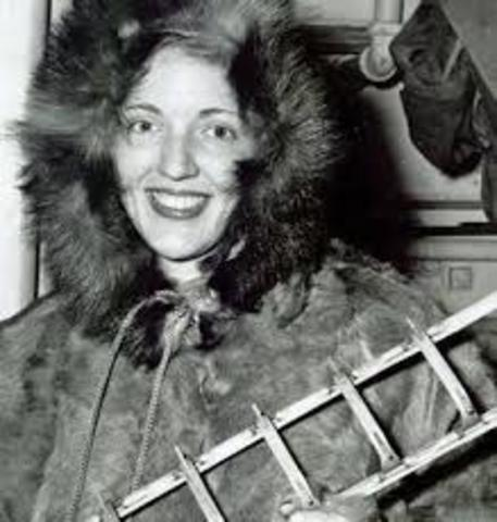 First to fly over Antarctica and first women on Antarctica