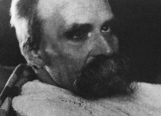 Muere Friedrich Nietzsche