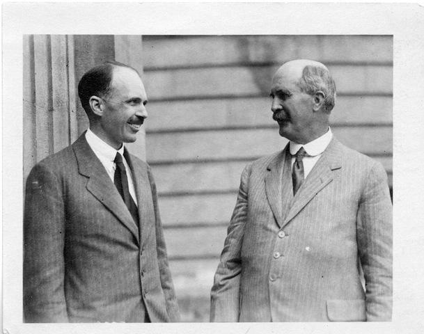 William Henry Bragg y William Lawrence Bragg