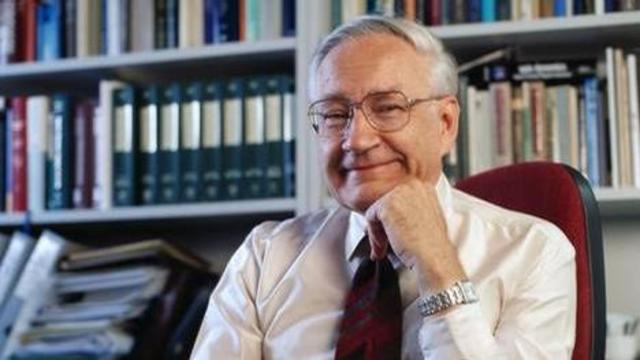Richard R. Ernst lleva a cabo experimentos que más tarde conducirán al desarrollo de la técnica de la transformada de Fourier RMN