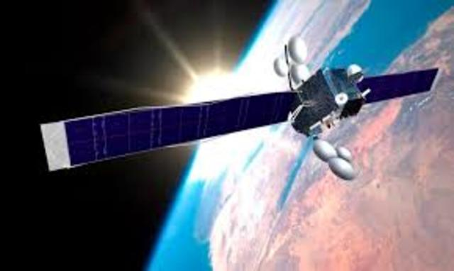 Inicia operaciones el primer satélite espacial geoestacionario de comunicación