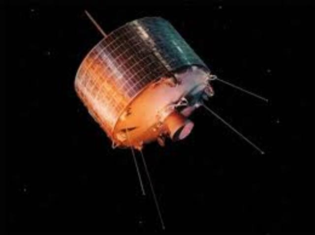 INTELSAT pone en órbita el INTELSAT-1
