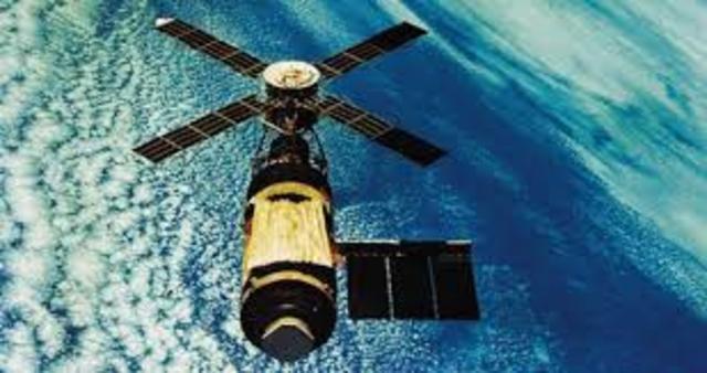 México coloca en orbita el satélite Solidaridad I.