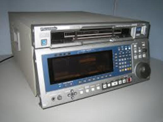 Sale al mercado el D-5 de Panasonic