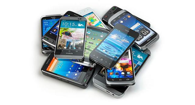 Comenzó una batalla de celulares