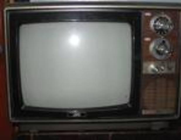 CAMBIO DE LA TV EN BLANCO Y NEGRO A TV EN COLOR