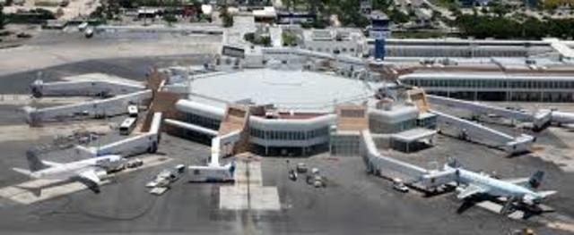 Inauguración del Aeropuerto Internacional de Cancún