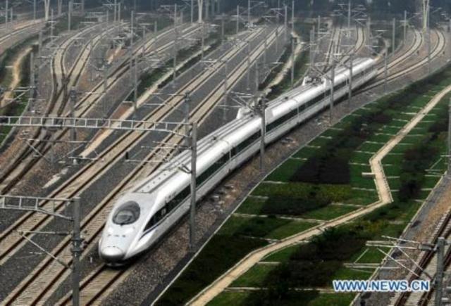 Shanghai-Hangzhou High-Speed Railway makes trial operation