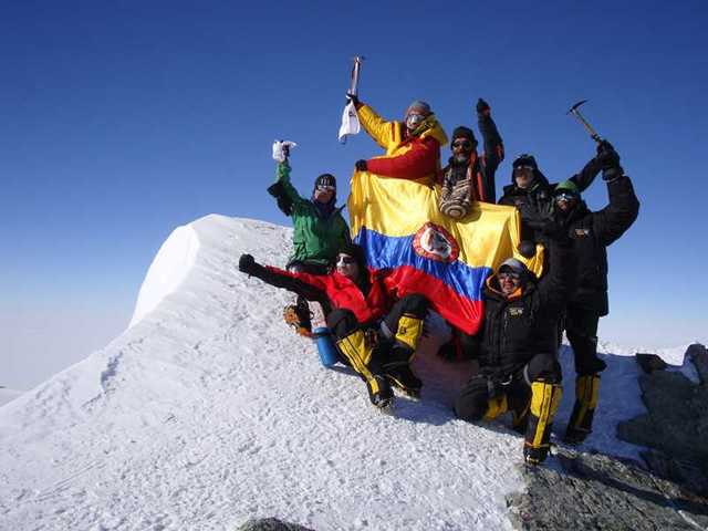 Colombianos conquistan la cima del Everest