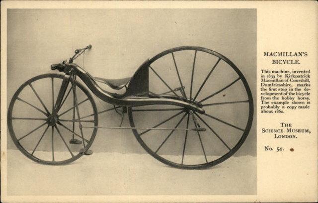 Pedales al prototipo de Karl Von Drais