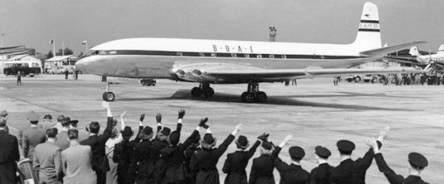 Primer avión comercial con motores de reacción