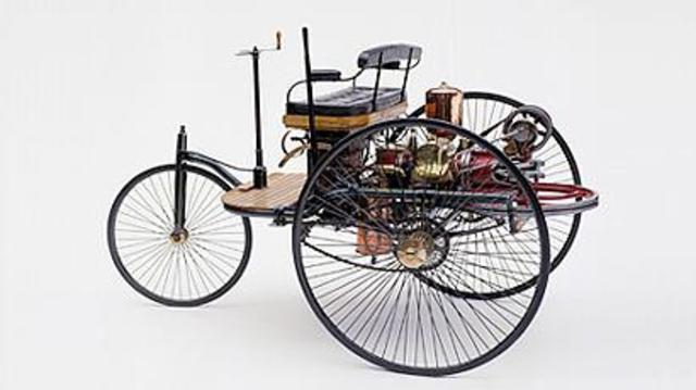 Auto con motor propulsado a aceite