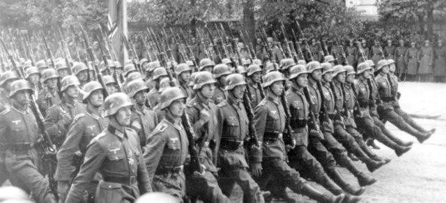 Deutschland greift Polen